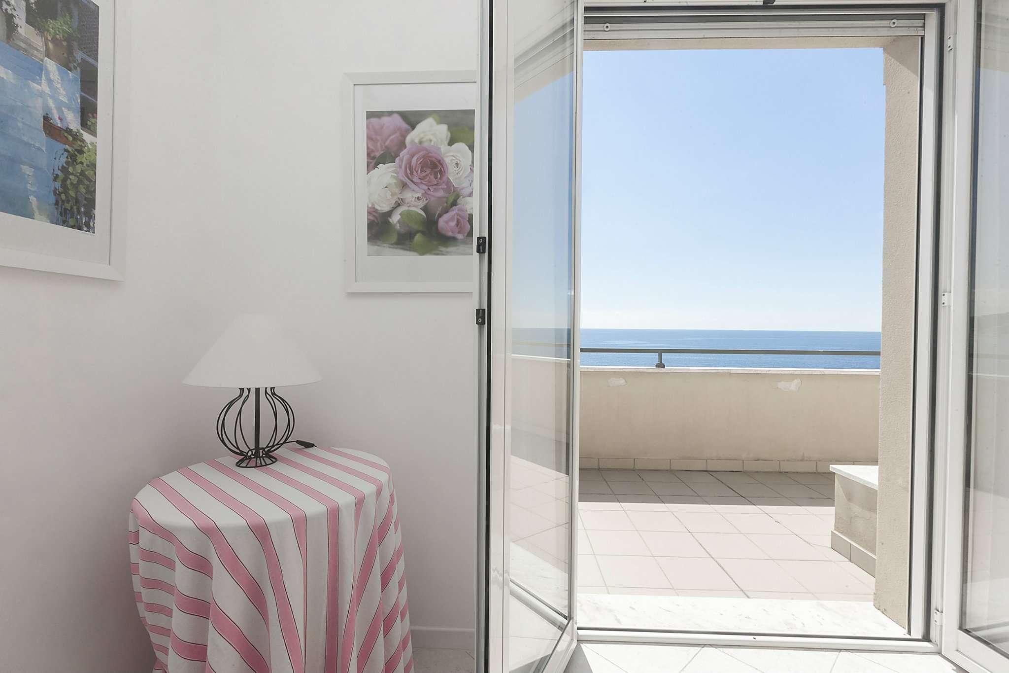 Appartamento in vendita a Cogoleto, 3 locali, prezzo € 420.000   Cambio Casa.it