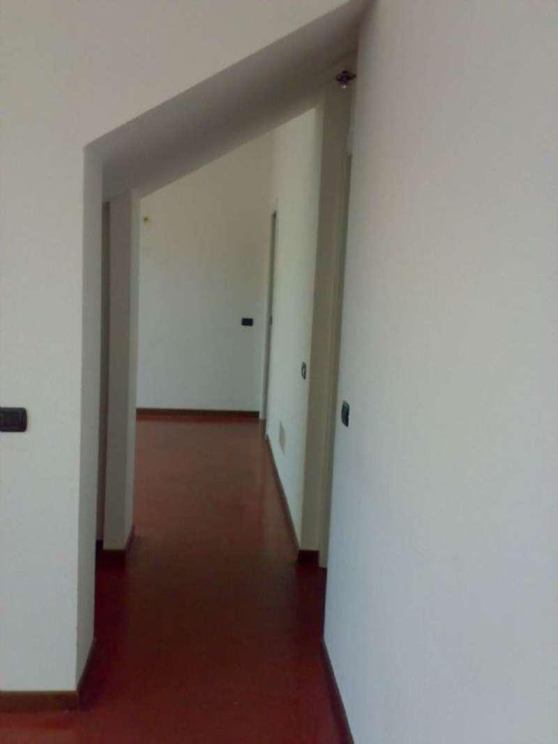 Bilocale Milano Via Mecenate 4
