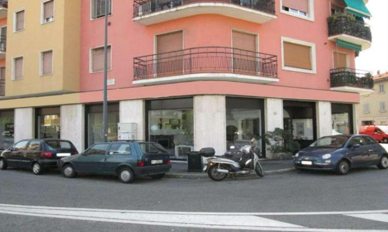 Negozio-locale in Vendita a Milano 20 Bicocca / Crescenzago / Cimiano: 470 mq
