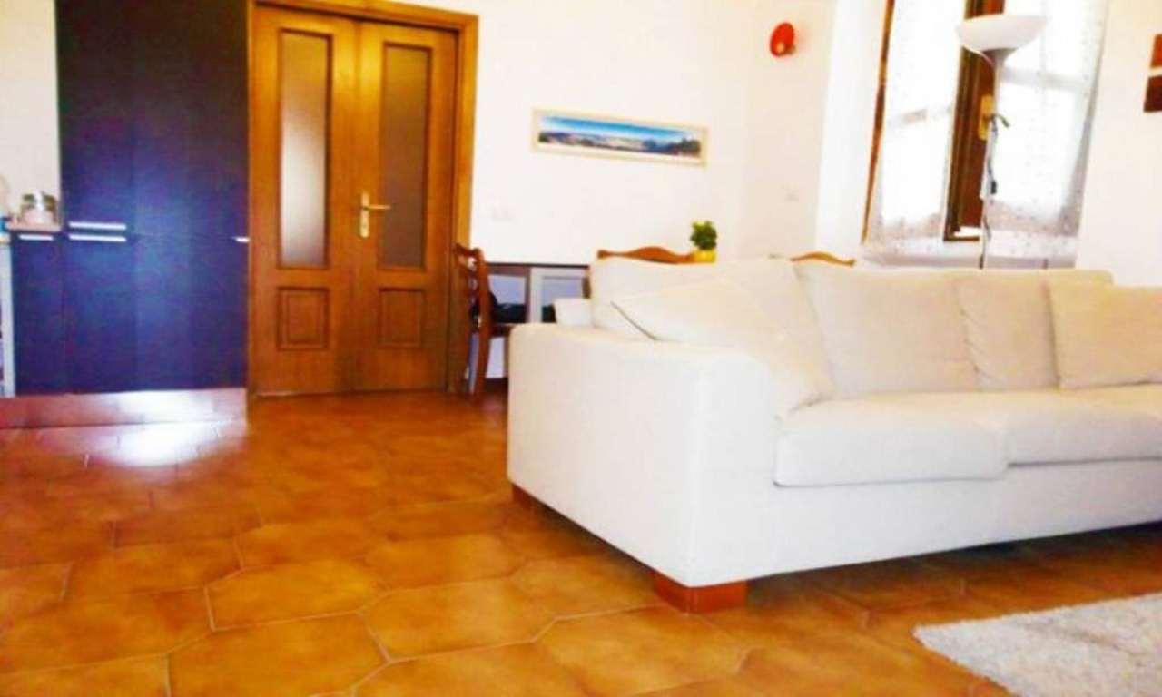 Bilocale Milano Via Mambretti 3