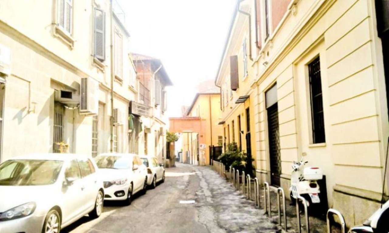 Bilocale Milano Via Ascanio Sforza 4