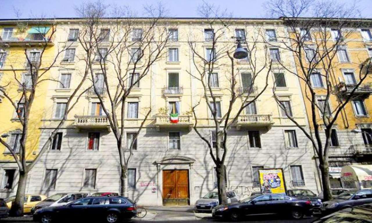 Bilocale Milano Via Bartolomeo Eustachi 1