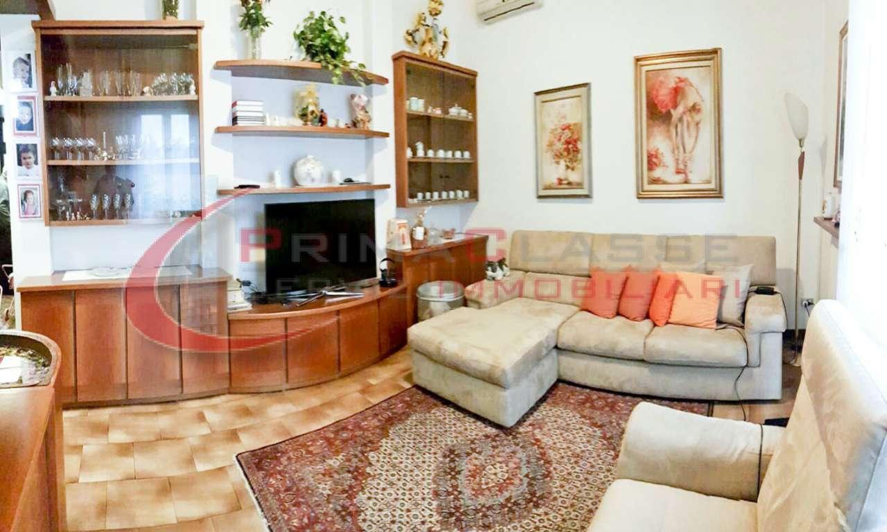 Villa in Vendita a Inveruno: 330 mq