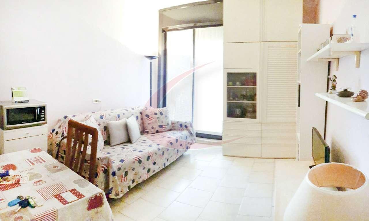 Appartamento in Vendita a Arese: 1 locali, 35 mq