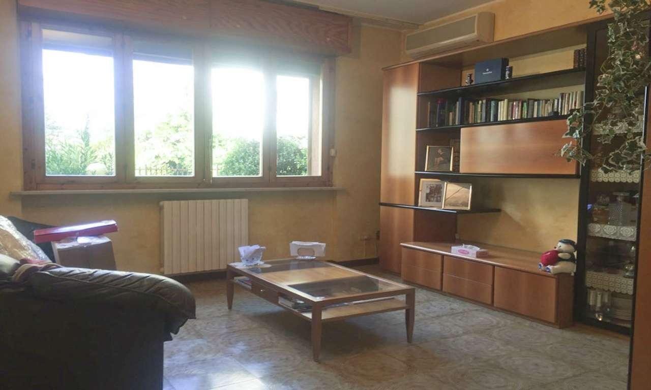 Appartamento in Vendita a Cornaredo: 4 locali, 120 mq