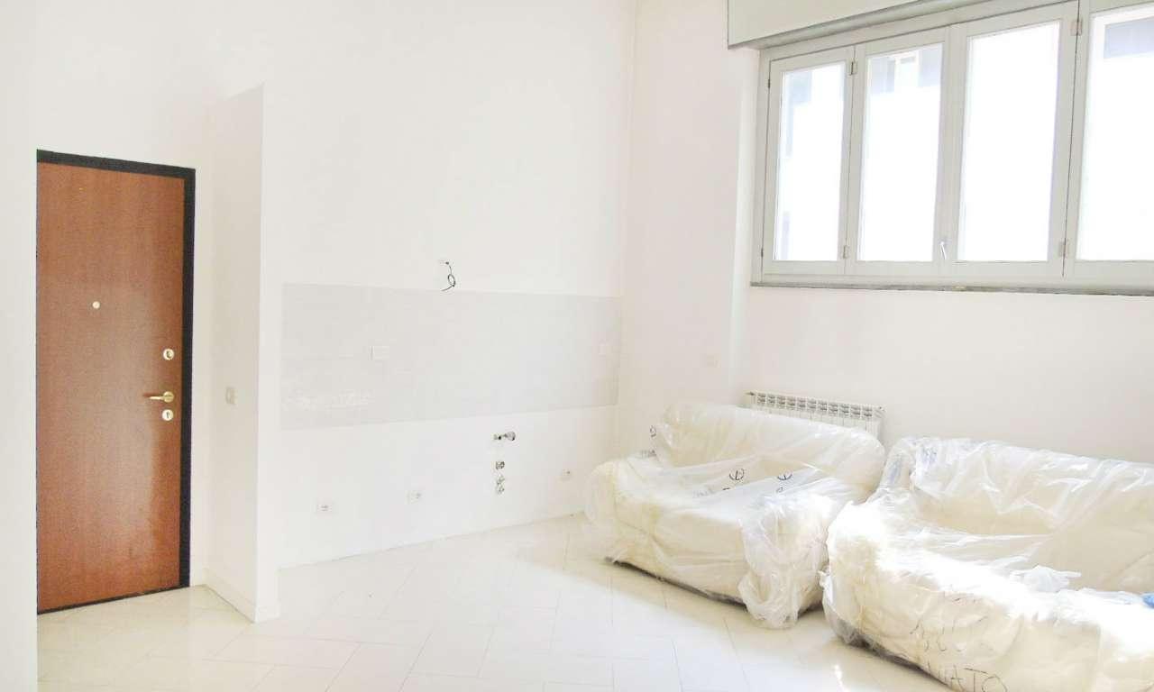 Loft open space in Vendita a Milano 25 Cassala / Famagosta / Lorenteggio / Barona: 4 locali, 110 mq