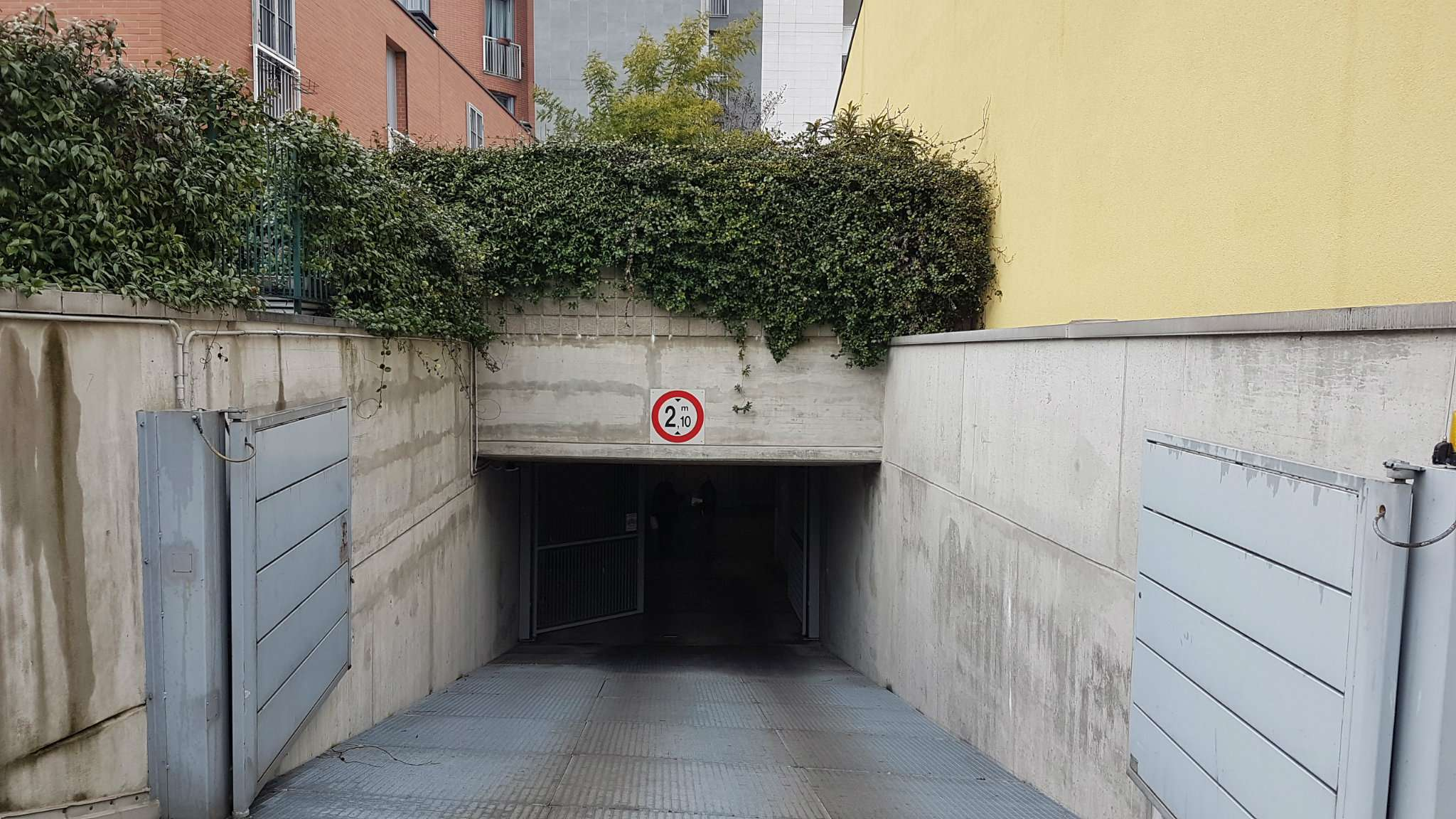 Posto-box auto in Vendita a Milano 21 Udine / Lambrate / Ortica: 16 mq