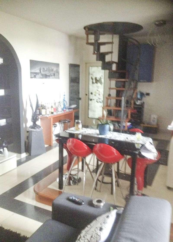 Appartamento in Vendita a Limbiate: 3 locali, 130 mq