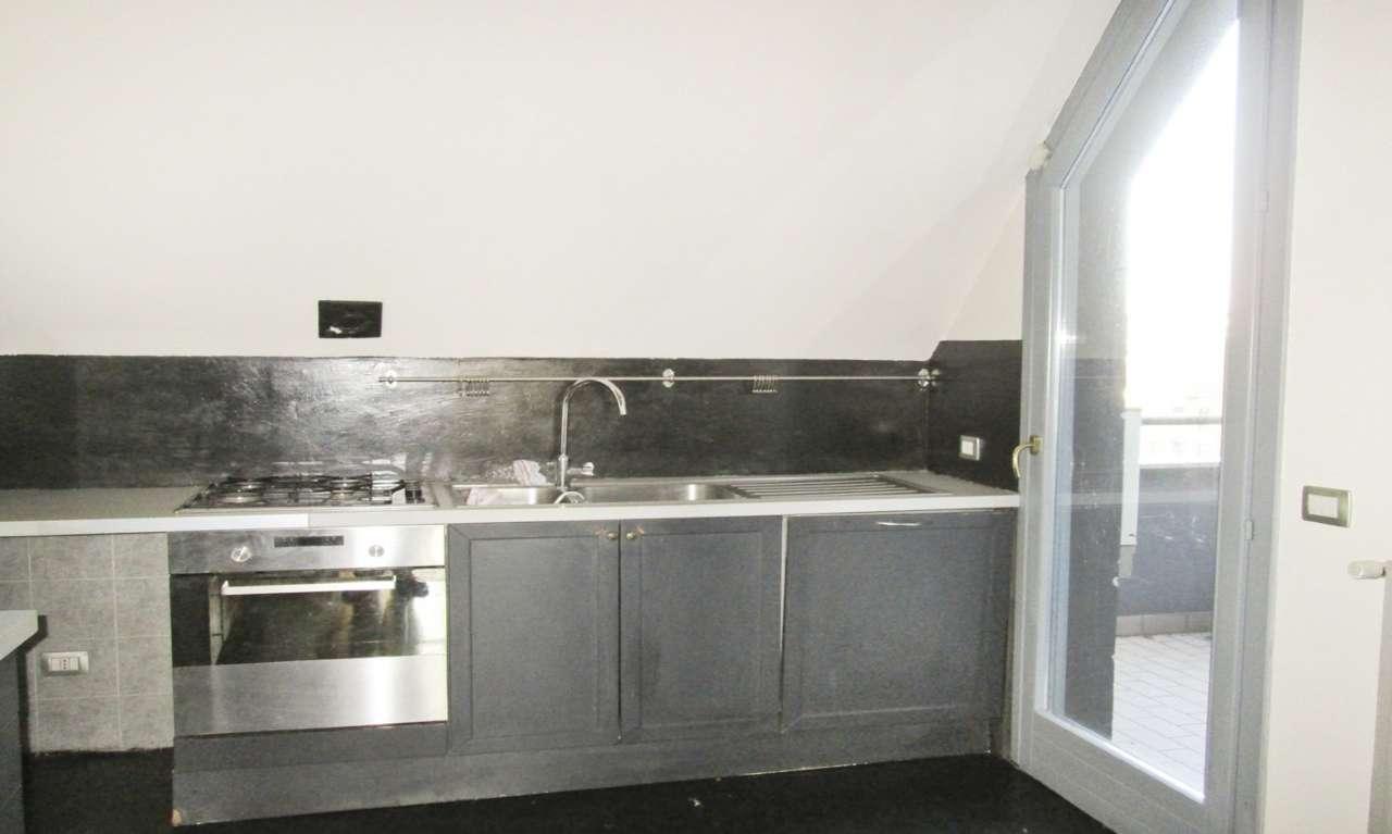 Appartamento in Affitto a Milano 06 Italia / Porta Romana / Bocconi / Lodi: 5 locali, 150 mq