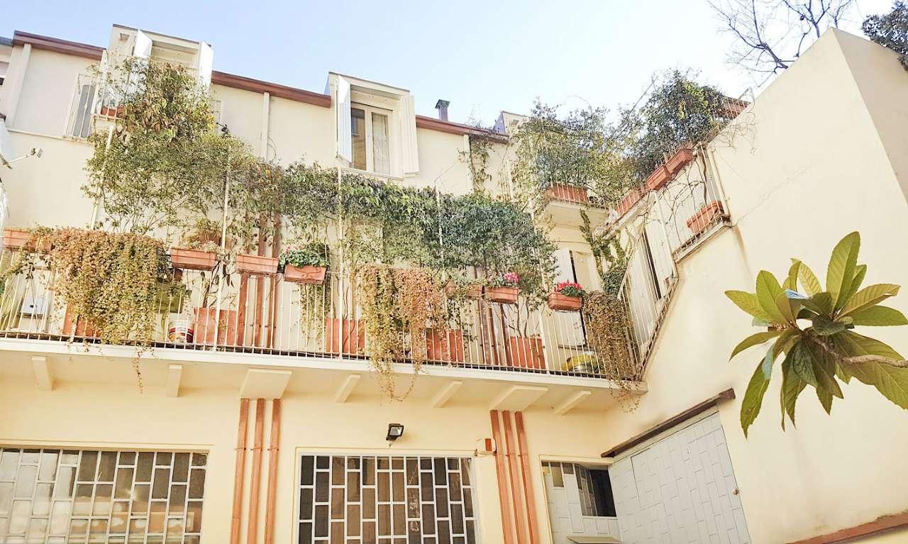 Laboratorio in Affitto a Milano 25 Cassala / Famagosta / Lorenteggio / Barona: 180 mq