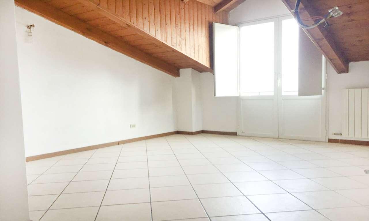 Appartamento in Vendita a Settimo Milanese: 2 locali, 55 mq