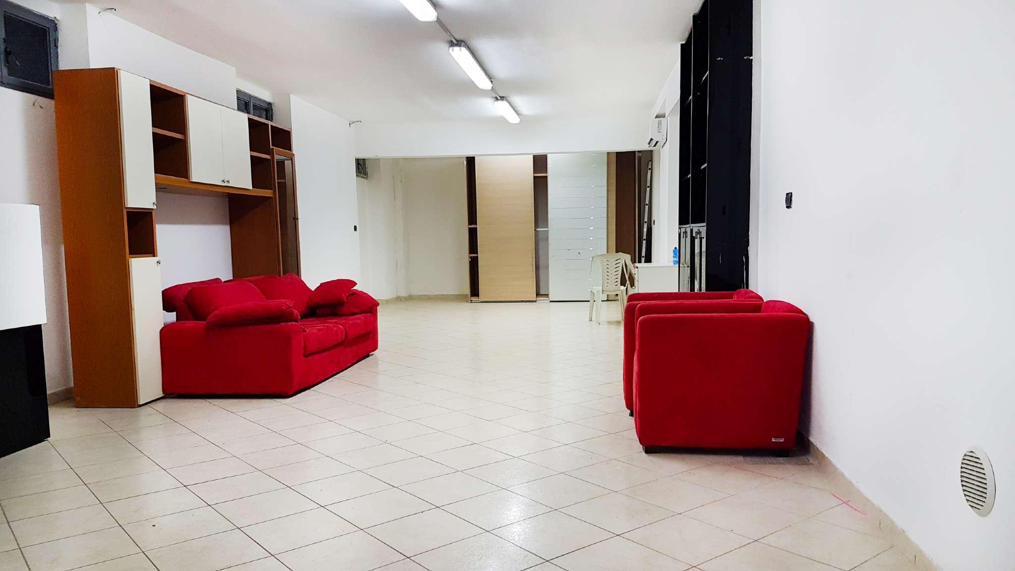 Laboratorio in Vendita a Milano 30 Niguarda / Bovisasca / Testi / Bruzzano / Affori / Comasina: 120 mq