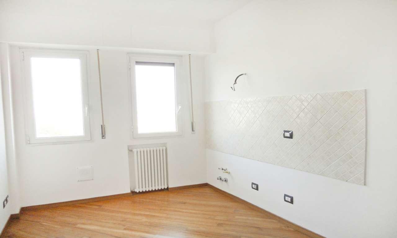 Appartamento in Vendita a Milano 03 Venezia / Piave / Buenos Aires: 1 locali, 35 mq