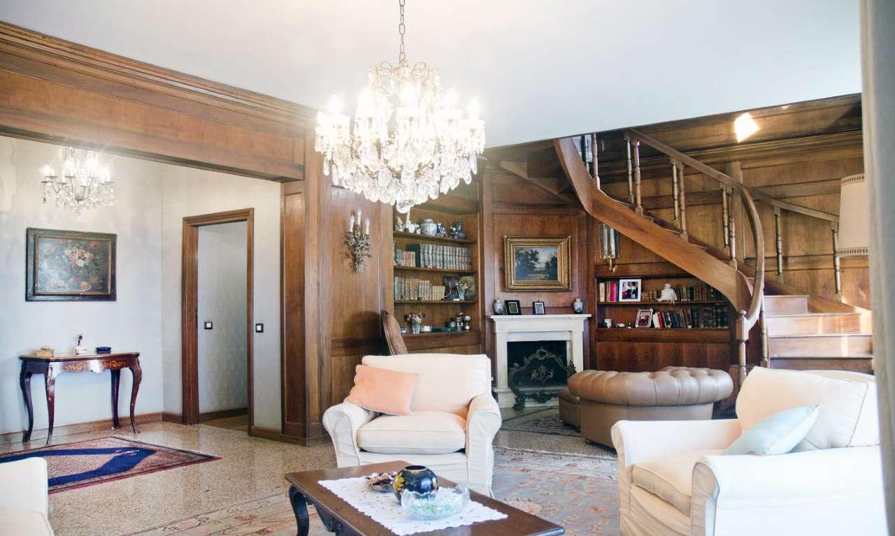 Appartamento in Vendita a Milano 18 Ippodromo / San Siro / Zavattari:  5 locali, 340 mq  - Foto 1