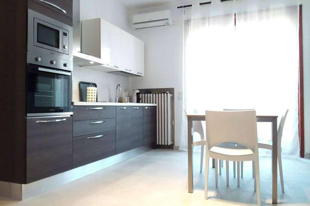 Appartamento in Affitto a Milano 25 Cassala / Famagosta / Lorenteggio / Barona: 2 locali, 80 mq