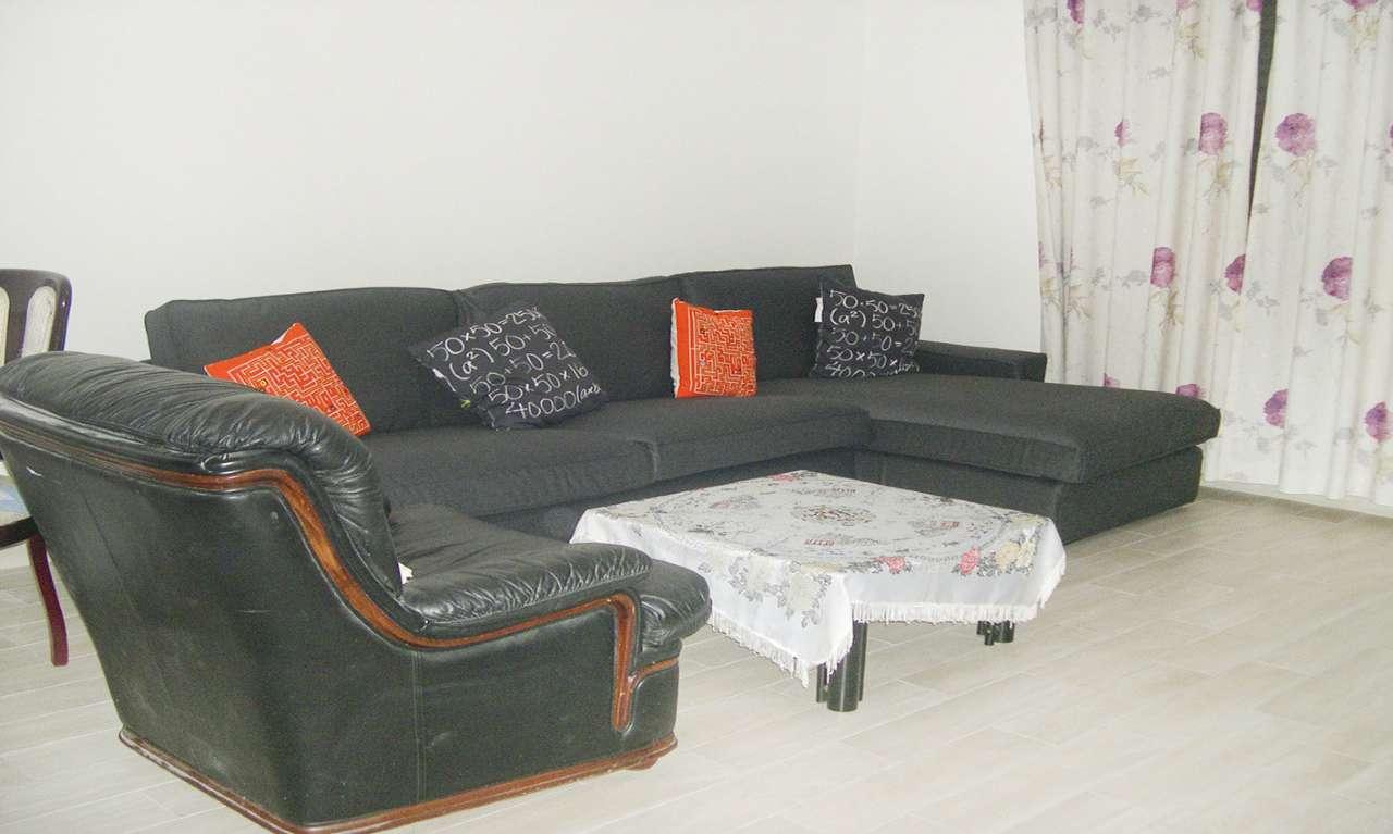 Appartamento in Affitto a Milano 25 Cassala / Famagosta / Lorenteggio / Barona: 5 locali, 135 mq