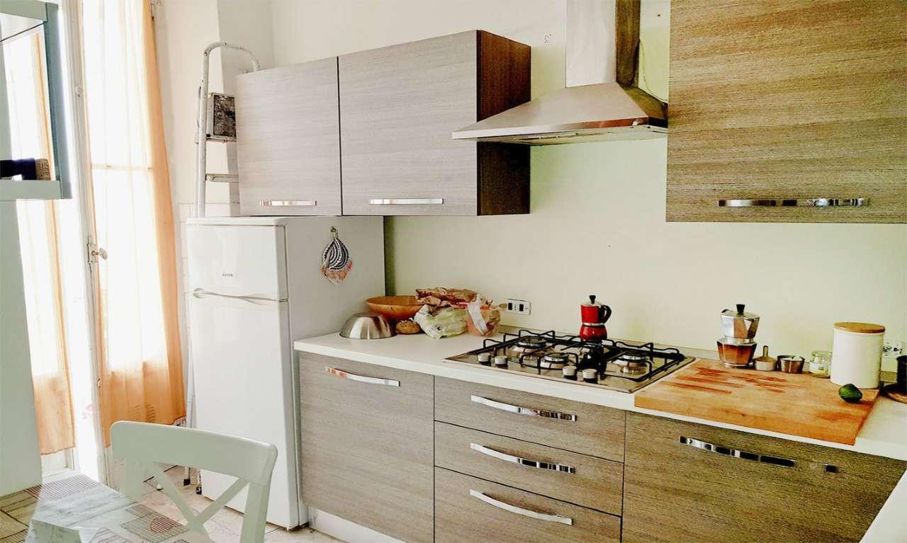 Appartamento in Affitto a Milano 27 Baggio / Novara / Forze Armate: 2 locali, 40 mq