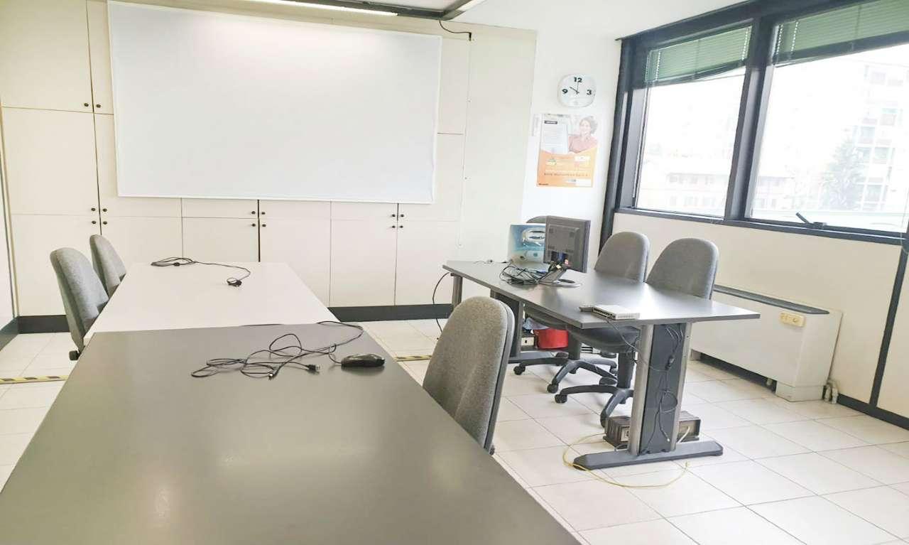 Ufficio-studio in Affitto a Bresso: 3 locali, 120 mq