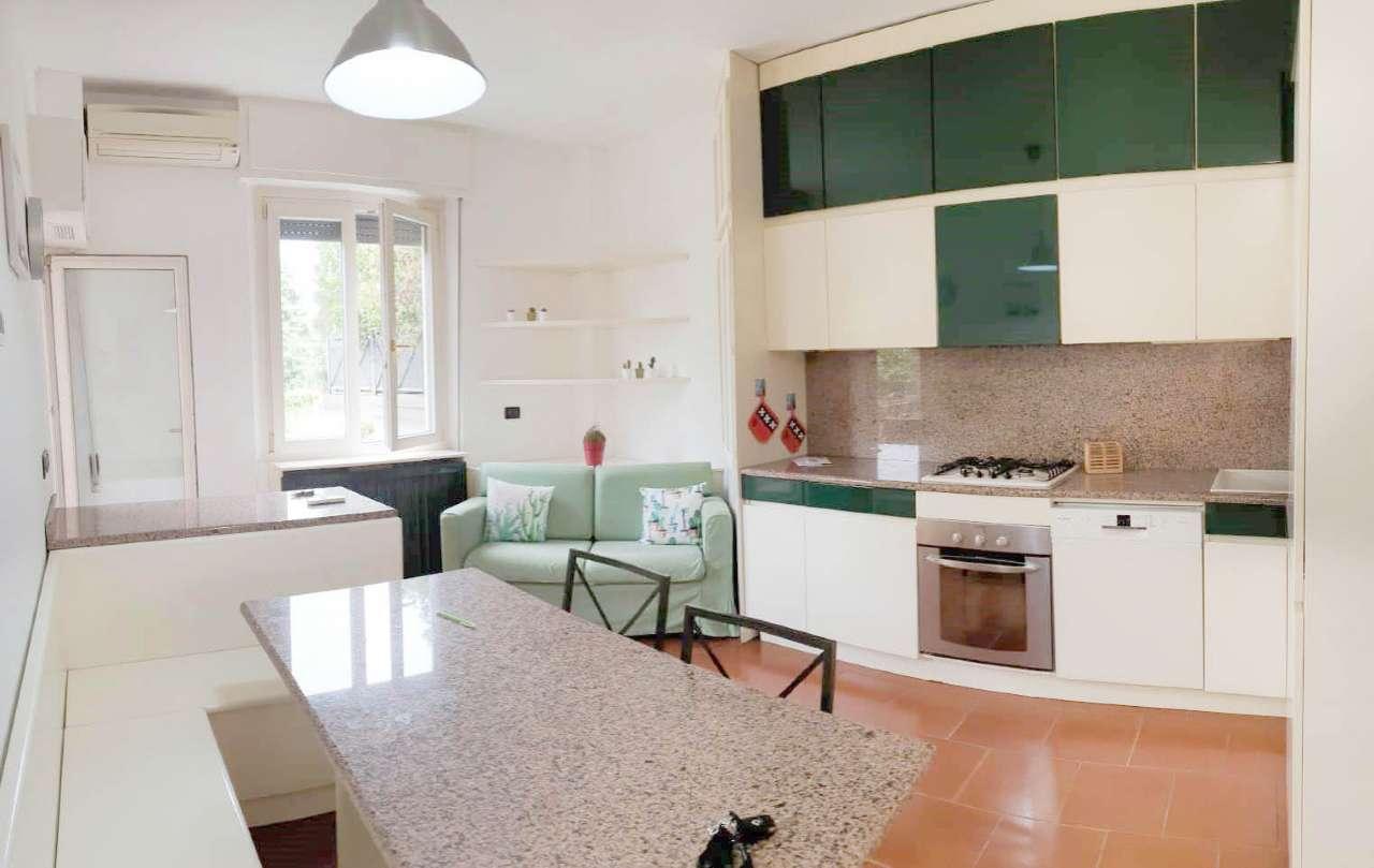 Appartamento in Affitto a Milano 25 Cassala / Famagosta / Lorenteggio / Barona: 3 locali, 60 mq