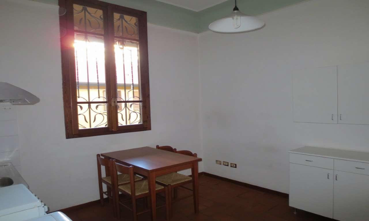 Appartamento in Affitto a Milano 03 Venezia / Piave / Buenos Aires: 4 locali, 110 mq