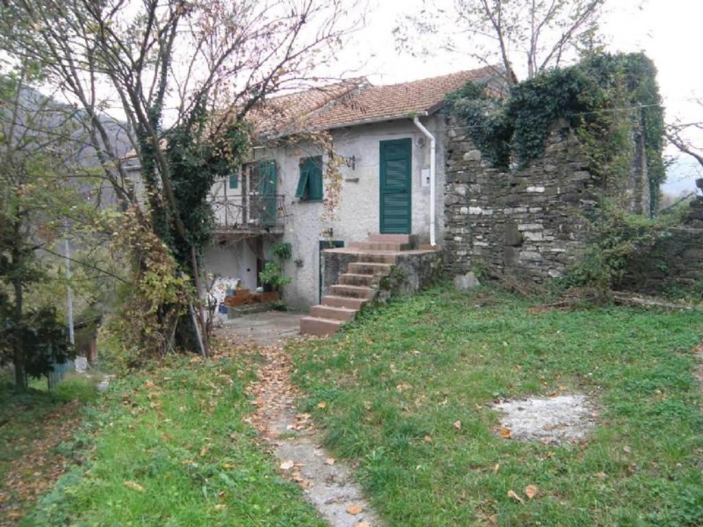 Bilocale Davagna Via Serrato 2
