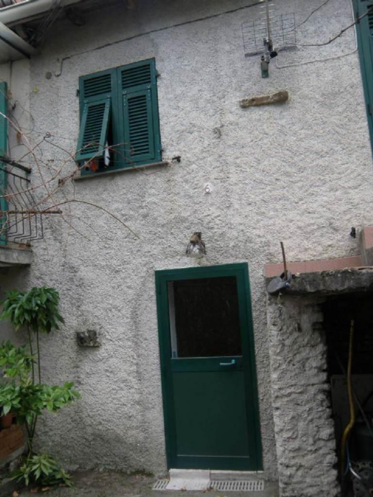 Bilocale Davagna Via Serrato 3