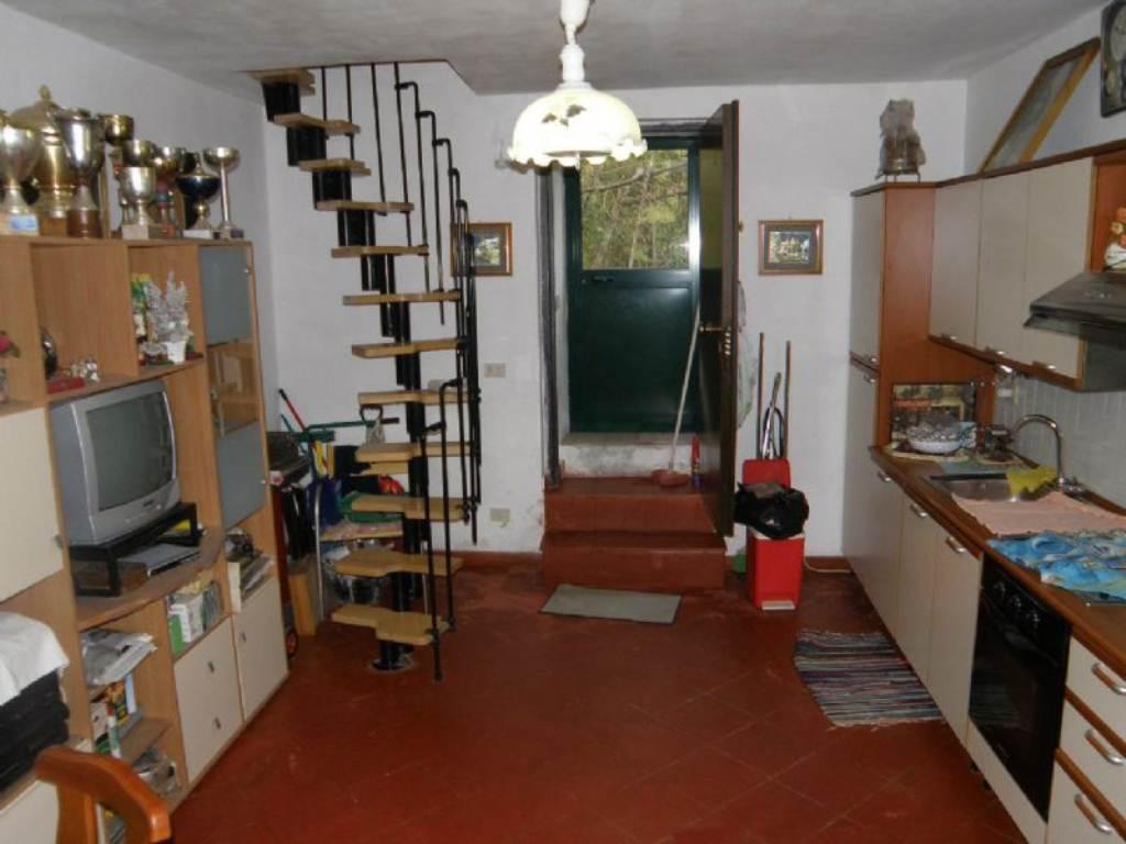 Bilocale Davagna Via Serrato 6