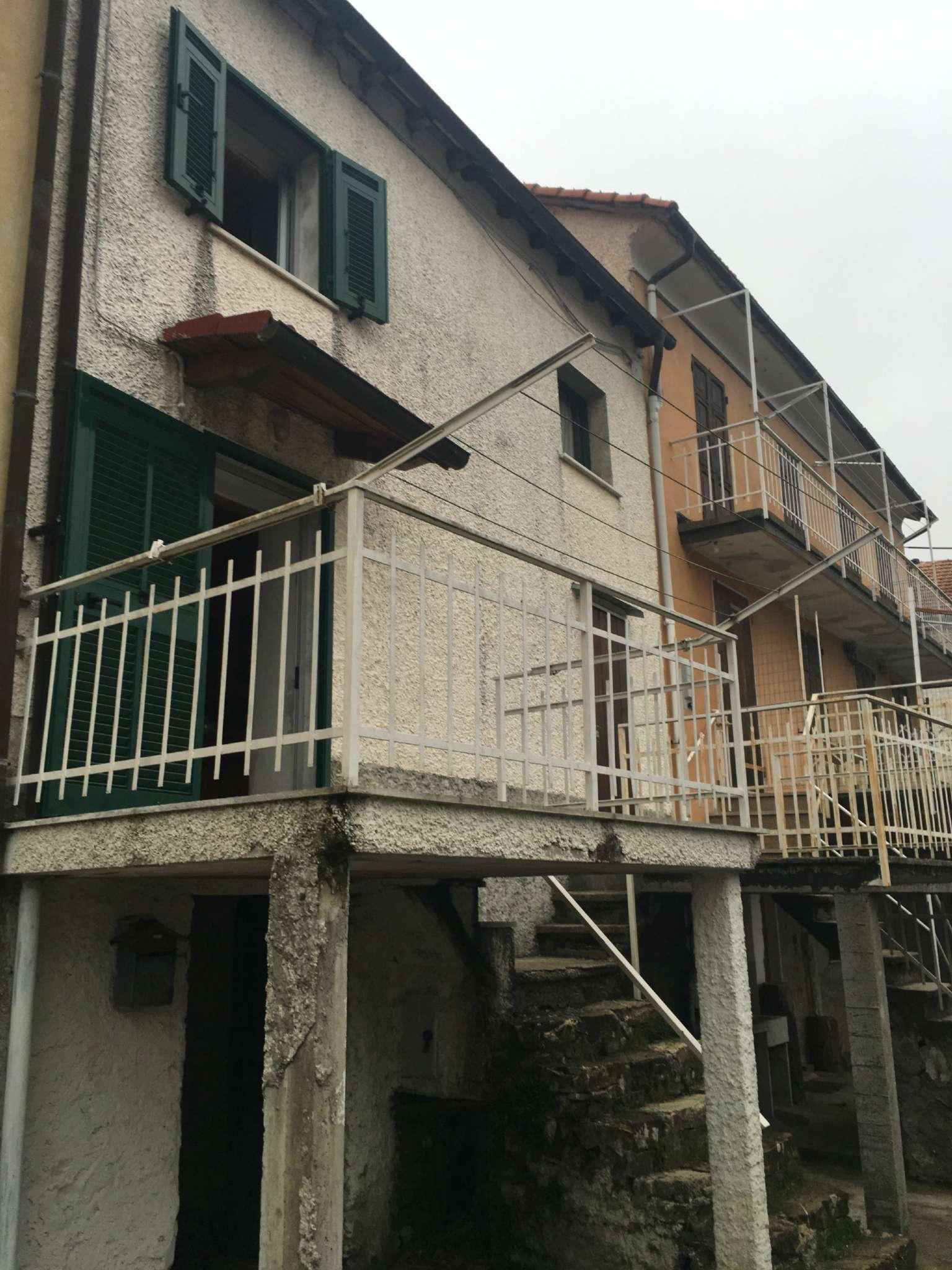 Bilocale Montoggio Via Cravasco 1