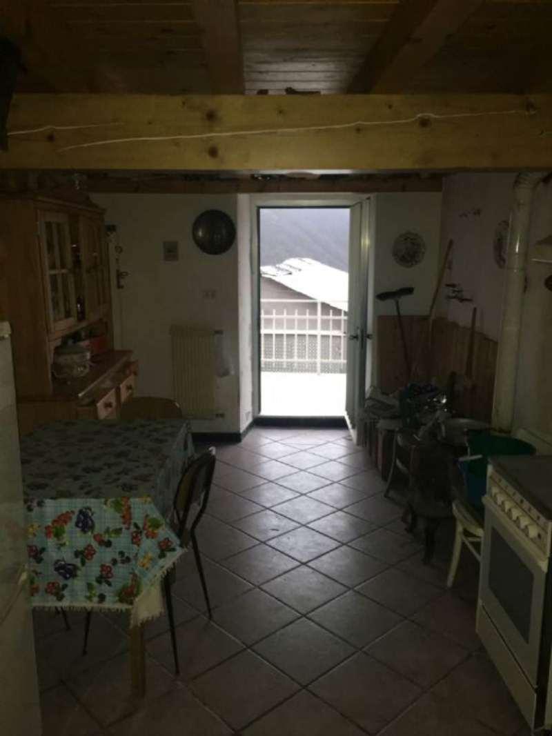 Bilocale Montoggio Via Cravasco 2