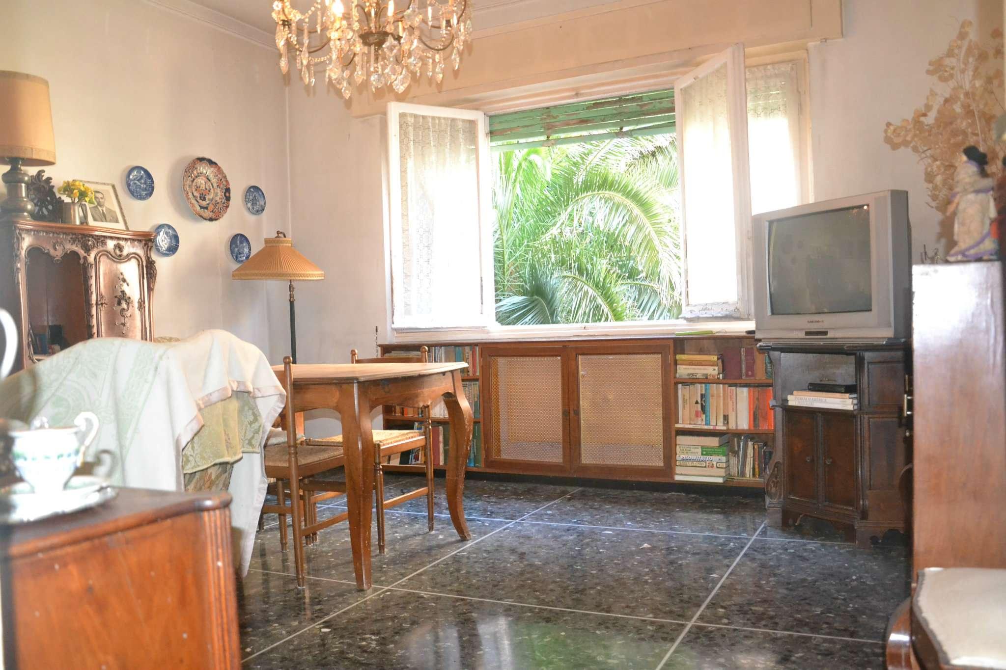 Foto 1 di Appartamento via Cabruna, Genova (zona Quinto-Nervi)