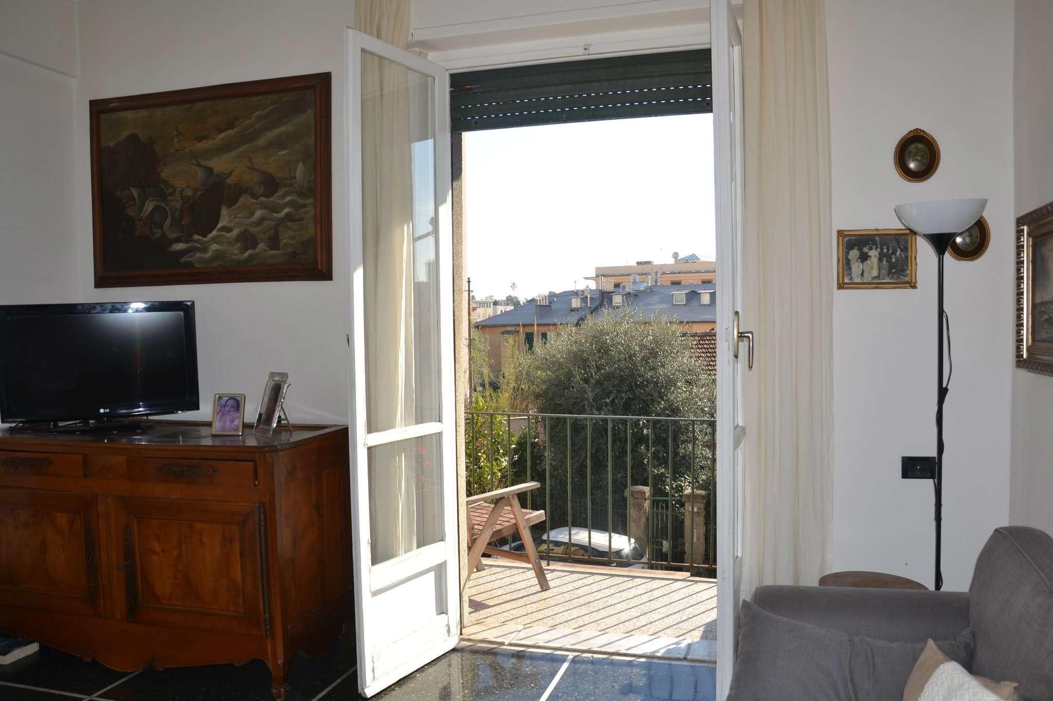 Foto 1 di Quadrilocale via Donato Somma 4, Genova (zona Quinto-Nervi)