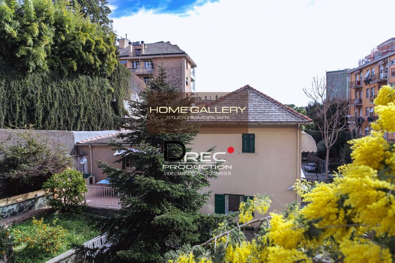 Foto 1 di Villa via San Pio X, Genova (zona Carignano, Castelletto, Albaro, Foce)