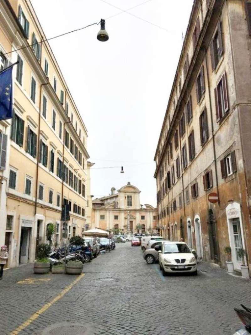 Cioli rismondo roma centro storico r e a roma casa for Case in vendita roma trastevere