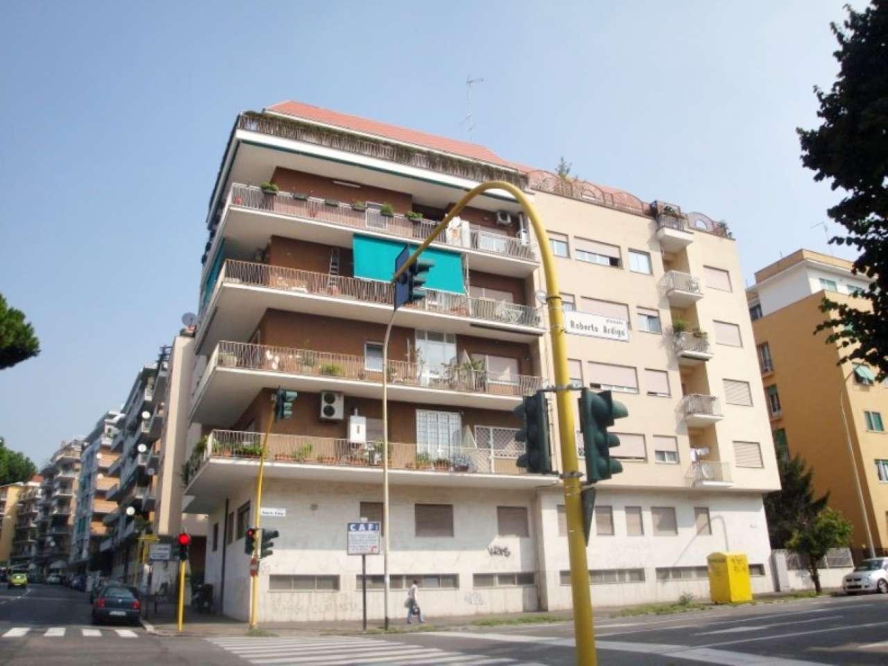 Cioli rismondo roma centro storico r e a roma casa for Affitto roma laurentina