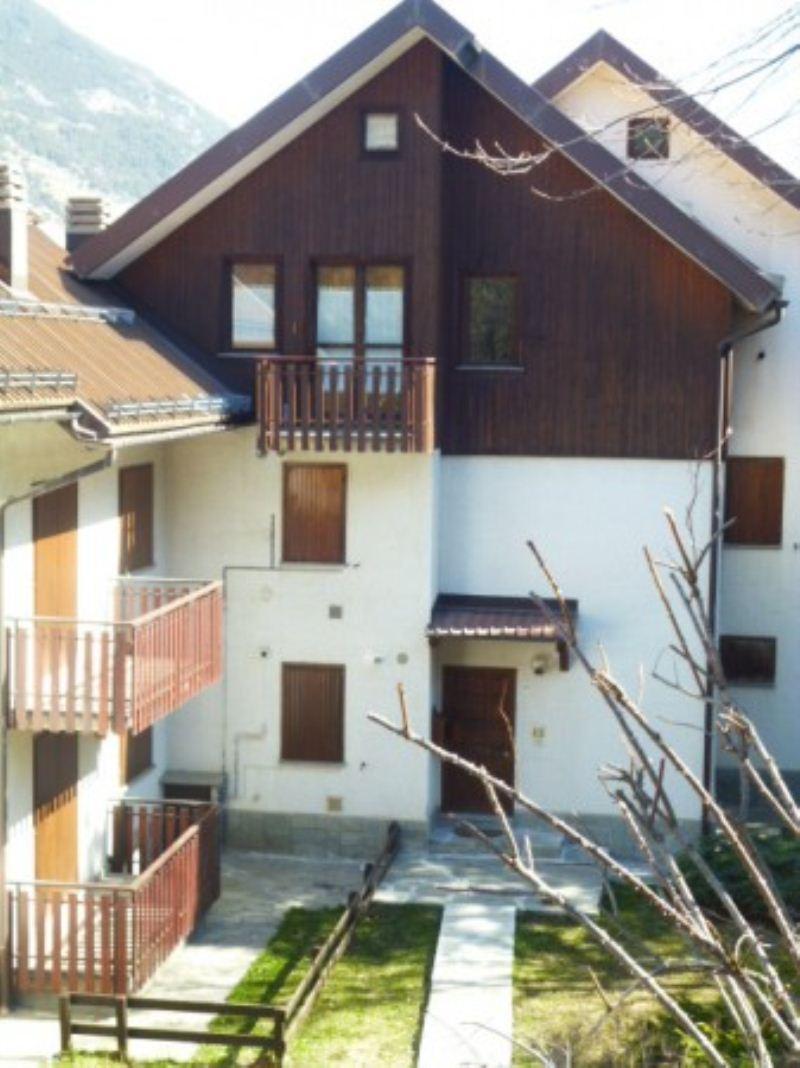 Appartamento in vendita a Oulx, 2 locali, prezzo € 140.000 | Cambio Casa.it