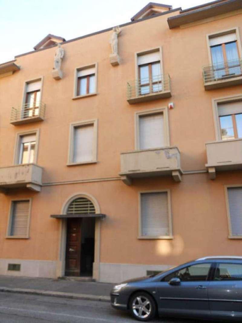 Bilocale Torino Via Melezet 1
