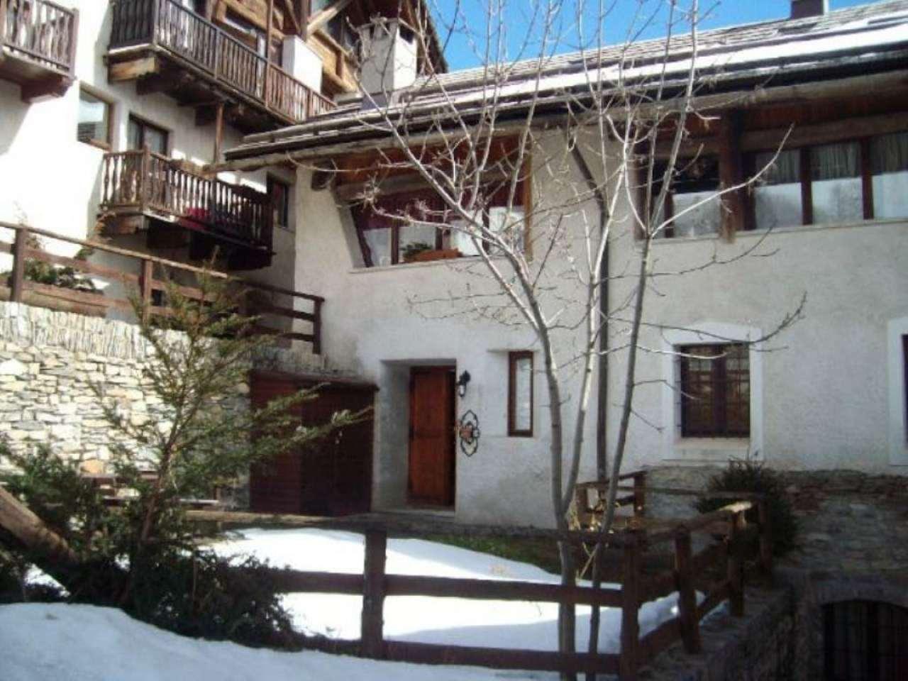 Foto 1 di Trilocale borgata Gleise, frazione Millaures, Bardonecchia