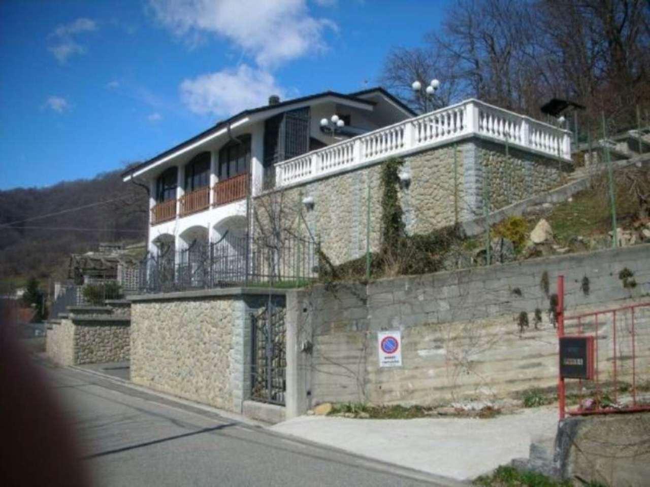 Villa in vendita a Pont-Canavese, 7 locali, prezzo € 205.000 | Cambio Casa.it