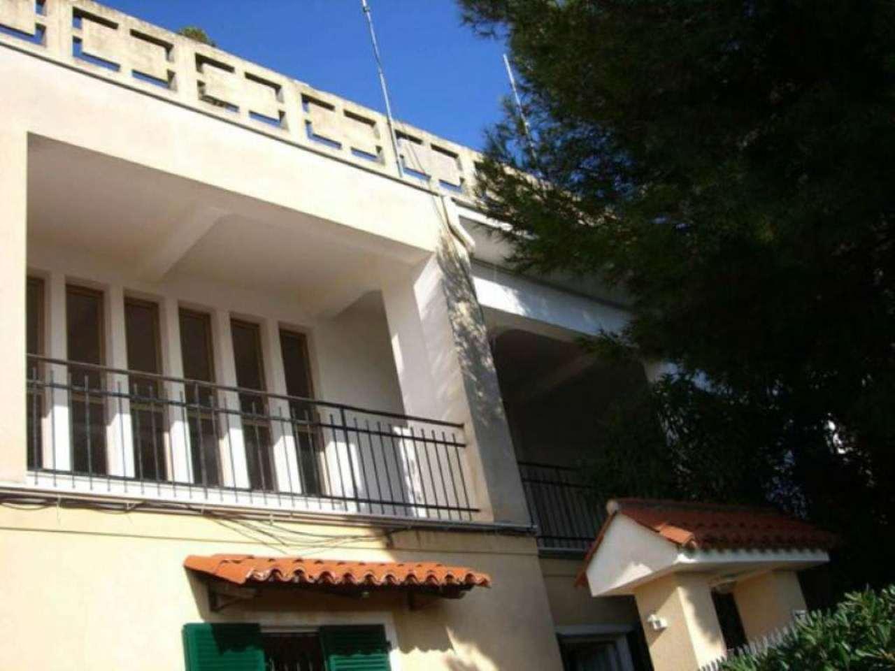 Casa andora appartamenti e case in vendita for Case andora
