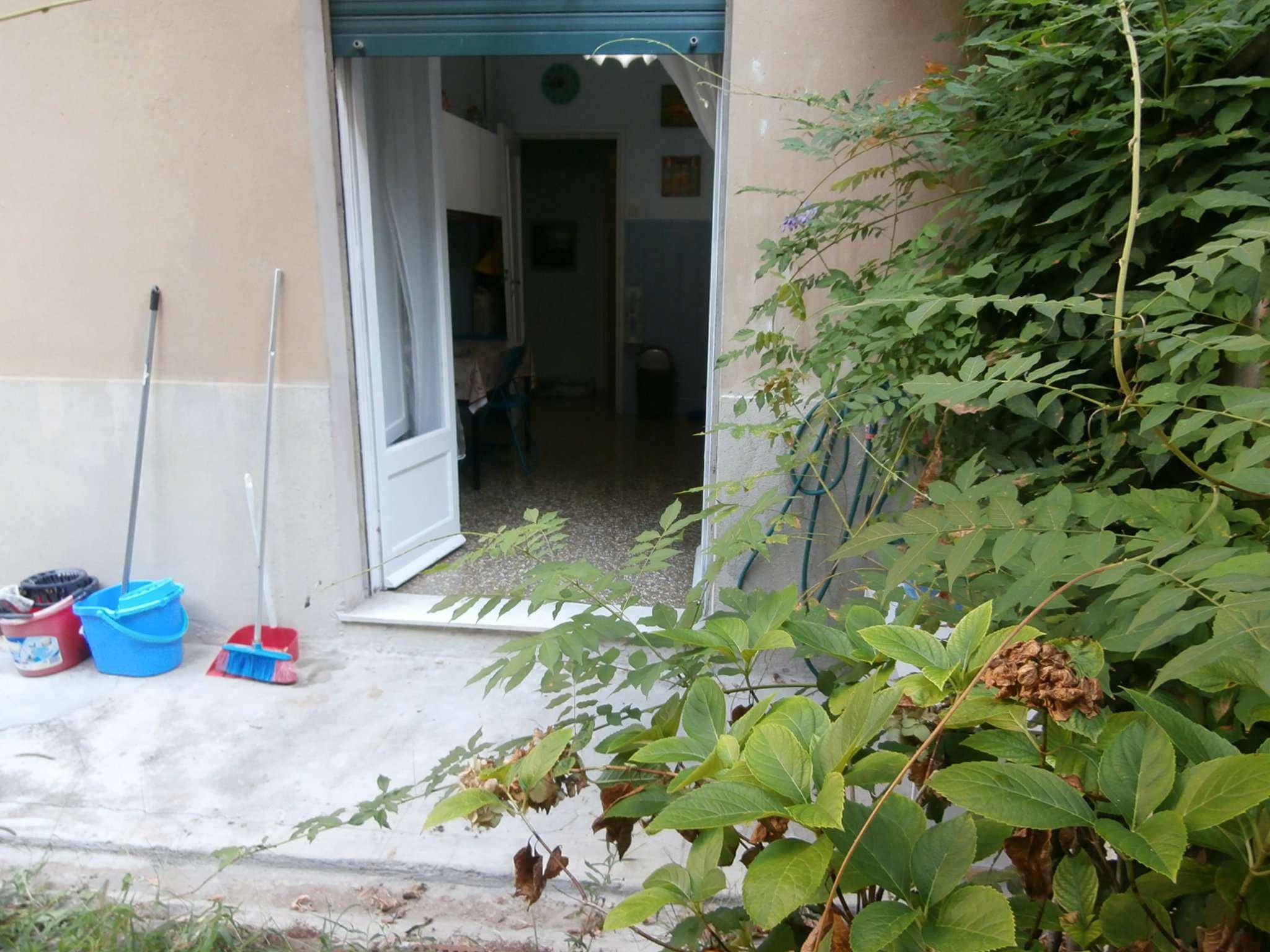 Bilocale Genova Corso Gastaldi 8