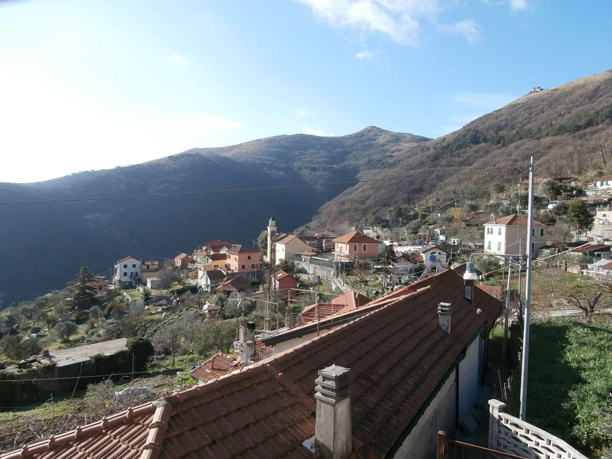 Soluzione Indipendente in vendita a Sant'Olcese, 7 locali, prezzo € 140.000 | Cambio Casa.it