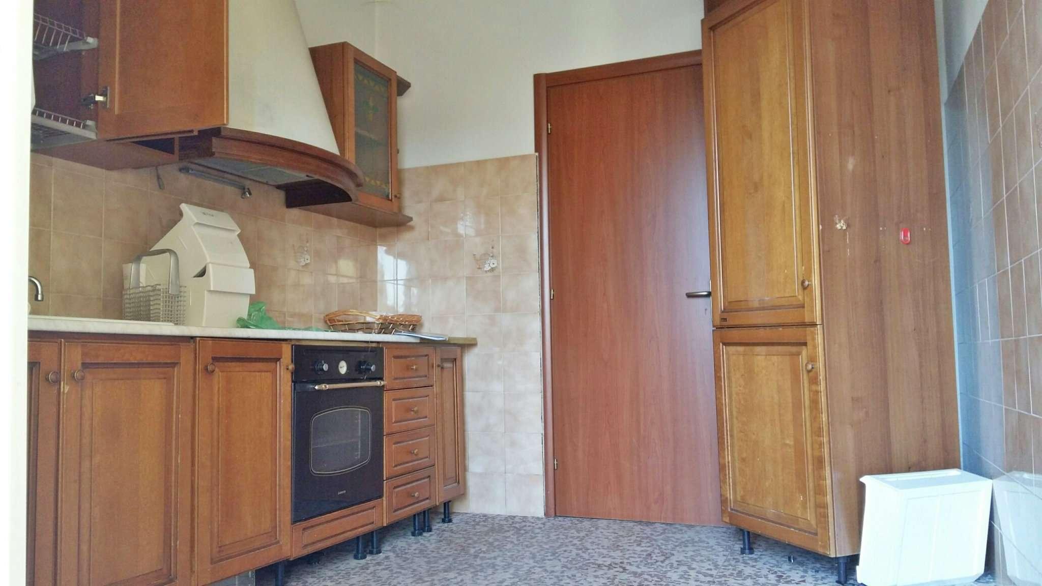 Bilocale Bollate Via San Pietro 6