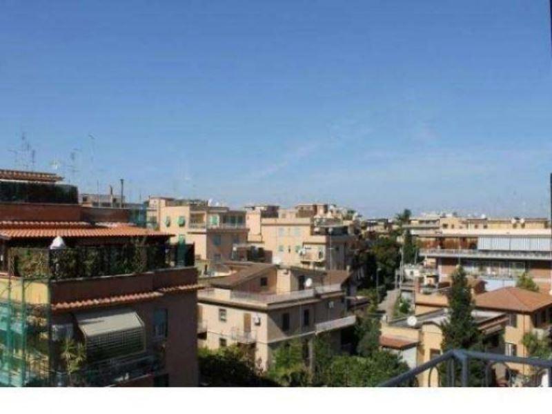 Trilocale in vendita a Roma in Via Teresa Gnoli