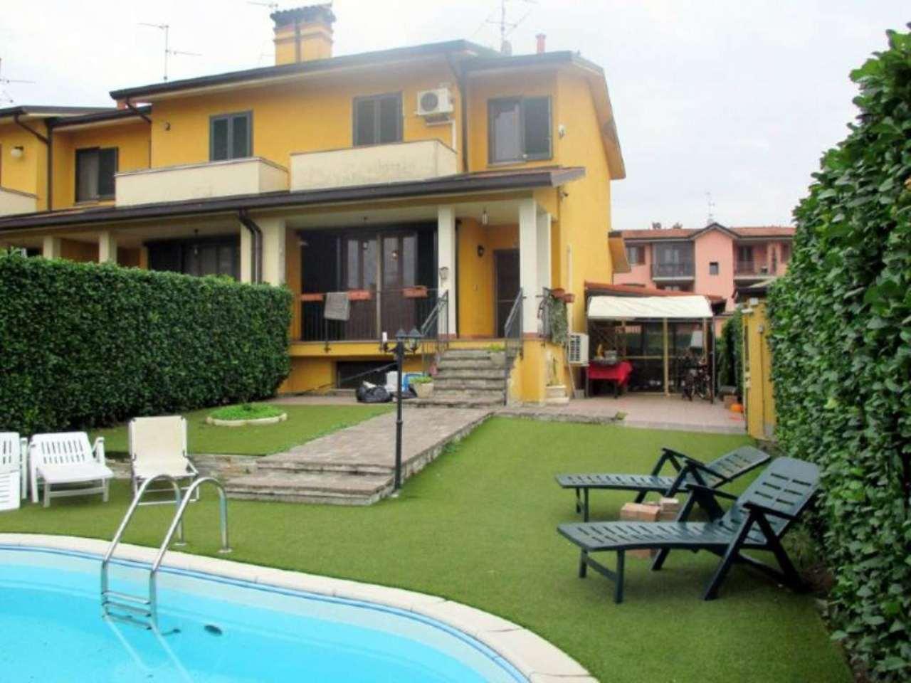 Villa a Schiera in vendita a Torre d'Arese, 4 locali, prezzo € 190.000 | Cambio Casa.it