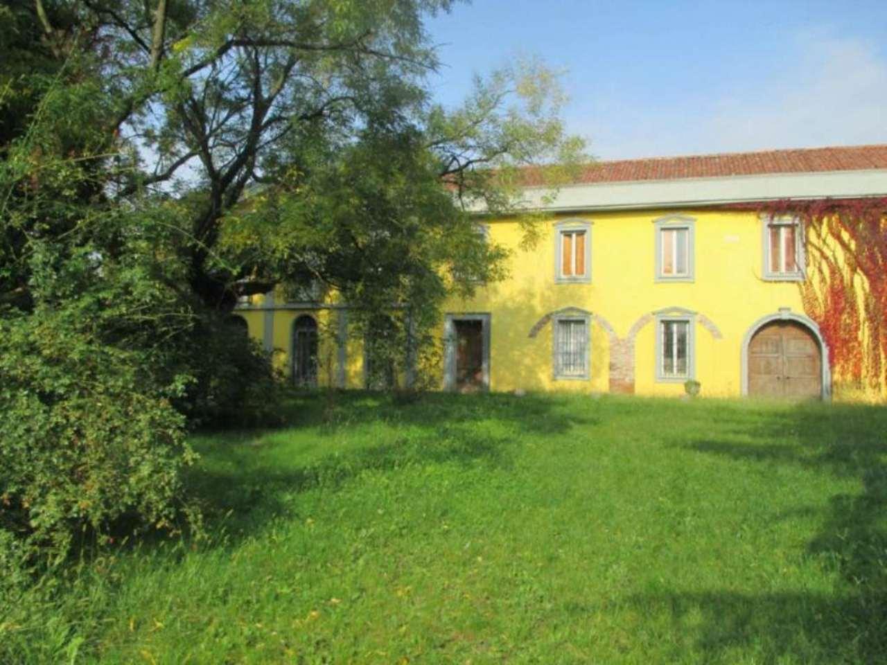 Rustico / Casale in vendita a Carpiano, 6 locali, prezzo € 398.000 | Cambio Casa.it