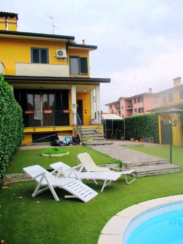 Villa in vendita a Landriano, 4 locali, prezzo € 220.000 | Cambio Casa.it