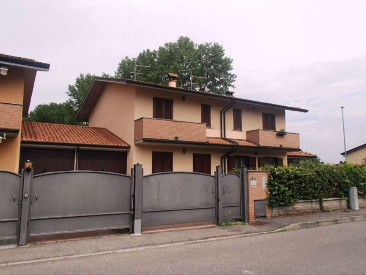 Villa a Schiera in vendita a Landriano, 4 locali, prezzo € 190.000 | Cambio Casa.it