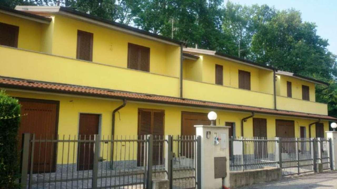 Villa a Schiera in affitto a Villanterio, 4 locali, prezzo € 600 | Cambio Casa.it