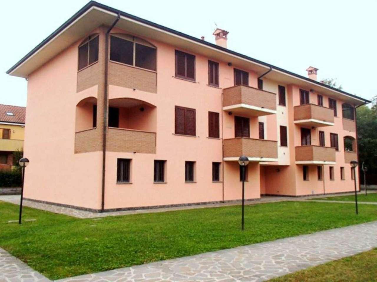 Appartamento in vendita a Landriano, 3 locali, prezzo € 140.000   Cambio Casa.it