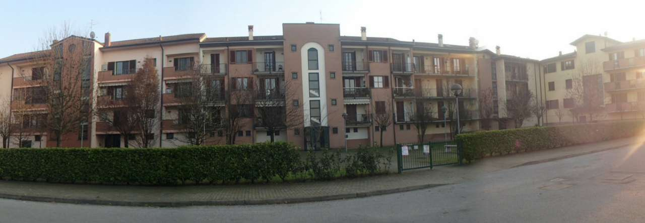 Appartamento in vendita a Landriano, 4 locali, prezzo € 185.000 | Cambio Casa.it
